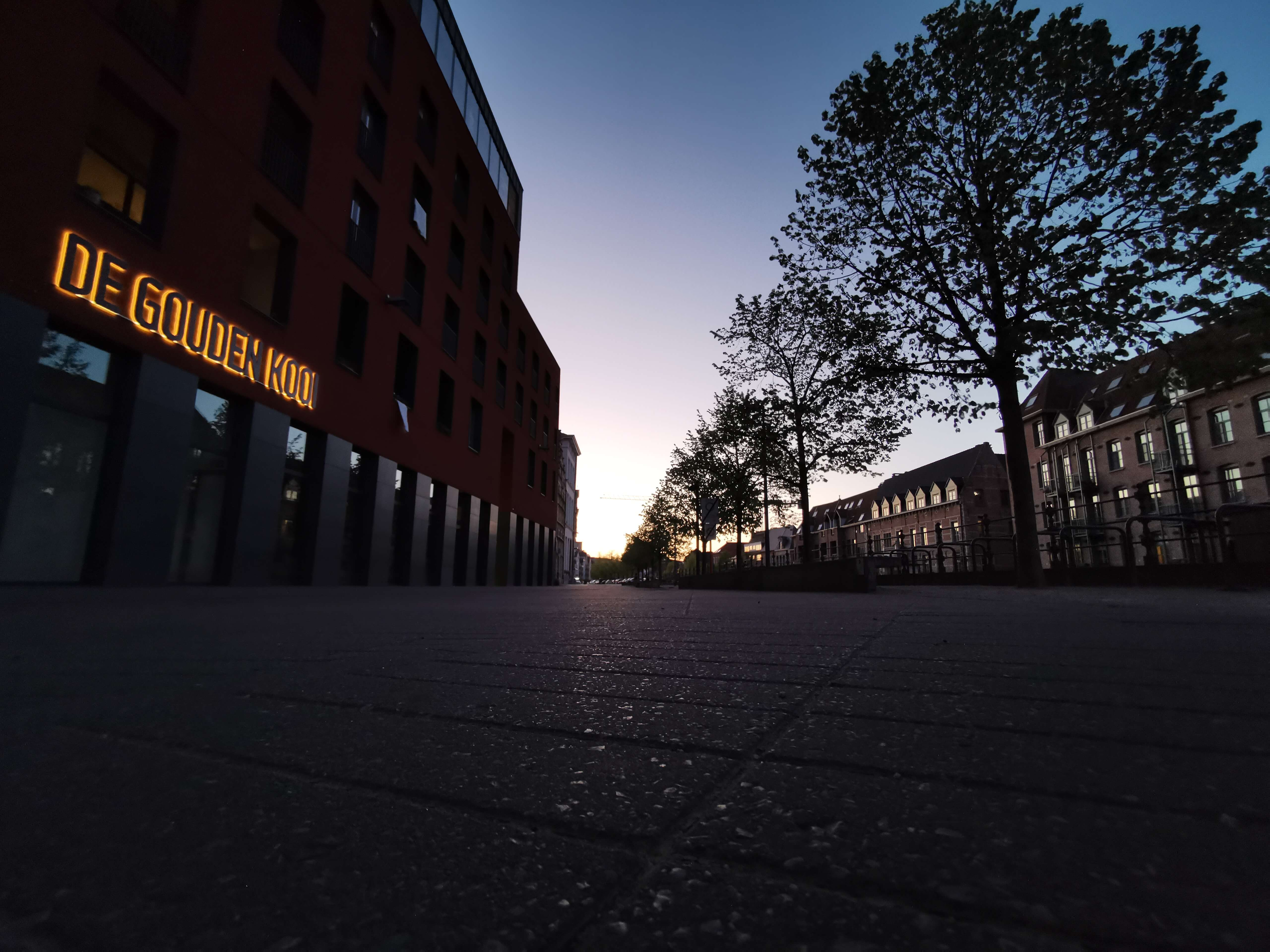 De Gouden Kooi by nightfall